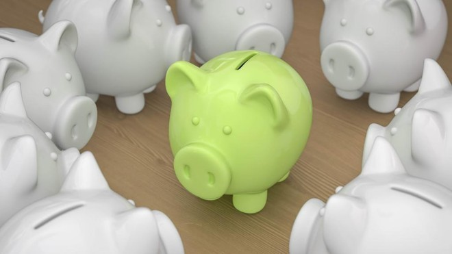 Quando a Selic estiver em  8,5% ao ano ou menos, como ocorre atualmente, a poupança irá render 70% da Selic mais a Taxa Referencial, atualizada diariamente pelo Banco Central. | Bigstock    /