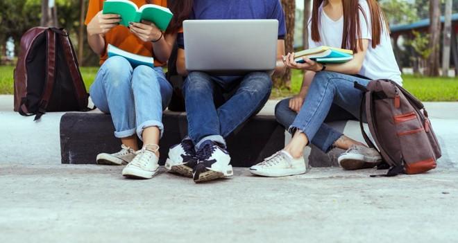Ao todo, o Santander Universidades  tem inscrições abertas para três programas de intercâmbio no exterior, com 1.270 vagas abertas. | Bigstock/