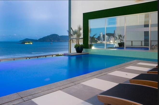 A piscina do Edifício Don Alfonso | Reprodução/Incorporadora Cechinel