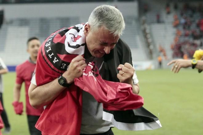 Técnico Tiago Nunes comemora o título atleticano. | Albari Rosa/Gazeta do Povo/