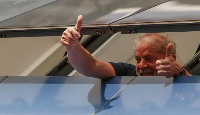 Lula antes de ser preso nesse final de semana, quando ainda estava no Sindicato dos Metalúrgicos, em São Bernardo do Campo. | MIGUEL SCHINCARIOL/AFP