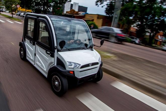Os veículos da Hitech Electric são de baixa performance, com velocidade máxima de 60 km/h, pensados para a locomoção na cidade. | Divulgação/
