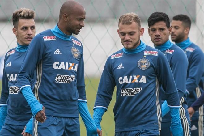 Vinícius Kiss ao lado de Rusch em treino do Coxa | Marcelo Andrade/Gazeta do Povo