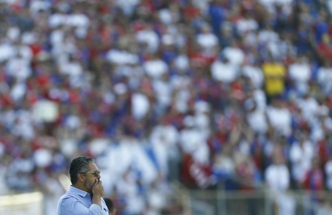 Micale ainda busca a primeira vitória do Paraná na Série A   Jonathan Campos/Gazeta do Povo