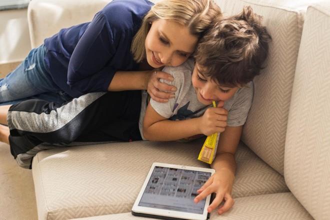 Elyse Matos e o filho Enrico. | Laiza Marinho.