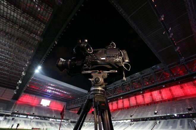 Câmera da transmissão do Atlético-PR que foi barrada pela Globo. | /Albari Rosa/Gazeta do Povo