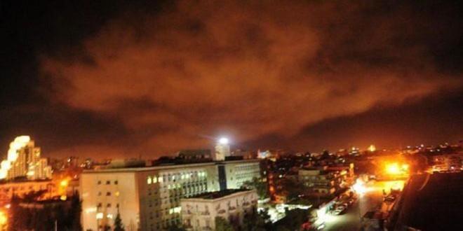 Ataque aéreo no sábado ( 14) não evitou nova ofensiva síria aos  rebeldes no domingo (15). | /