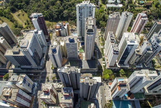Curitiba estuda permitir prédios mais altos em alguns bairros | Hugo Harada/Gazeta do Povo