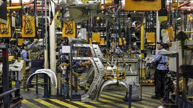 Funcionários da Renault suspenderam as atividades nesta quinta-feira (24) devido à falta de peças por causa greve dos caminhoneiros   Jonathan Campos/Gazeta do Povo