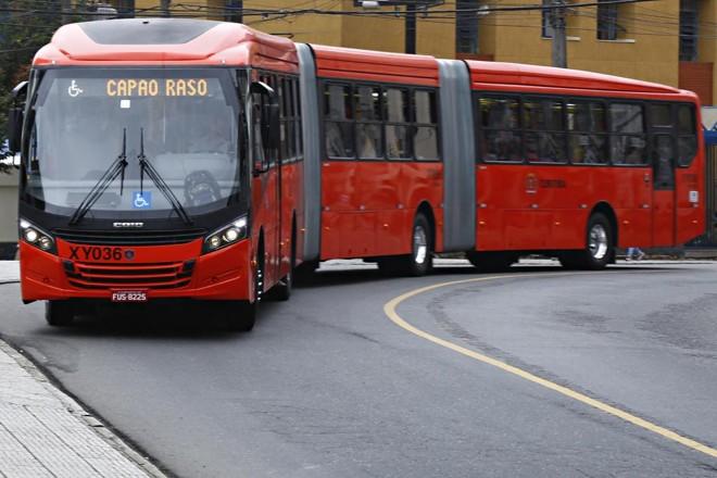 Ônibus em Curitiba deverá operar normalmente. | Aniele Nascimento/Gazeta do Povo
