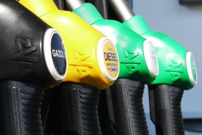 Preço elevado dos combustíveis é um dos responsáveis pela mobilização dos mototistas portugueses   Pixabay
