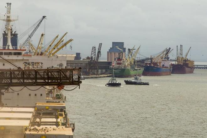 Quase 40% dos fertilizantes importados chegam ao País pelo Porto de Paranaguá | Hugo Harada/Gazeta do Povo