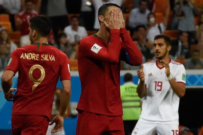 Cristiano Ronaldo lamenta pênalti perdido contra o Irã na Copa do Mundo 2018 | JUAN BARRETO/AFP