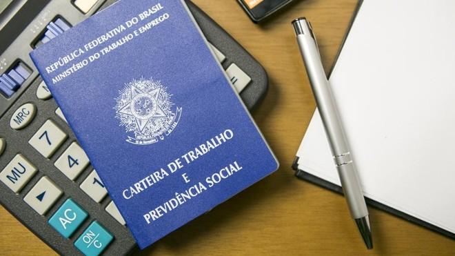 Entre os que não planejam a aposentadoria, quase metade garante que não sobra dinheiro no orçamento. | Marcelo Andrade/Gazeta do Povo