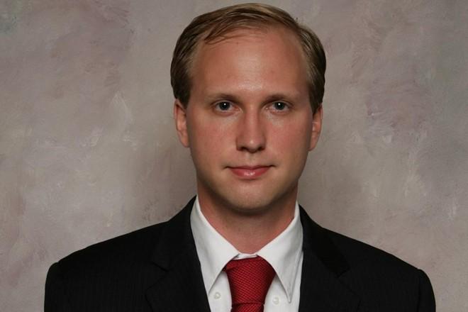 NathanLarson, que tem 37 anos, planeja levar seus pontos de vista ao público ao participar da campanha eleitoral na Virgínia | Aldrich HanssenReprodução/Wikimedia
