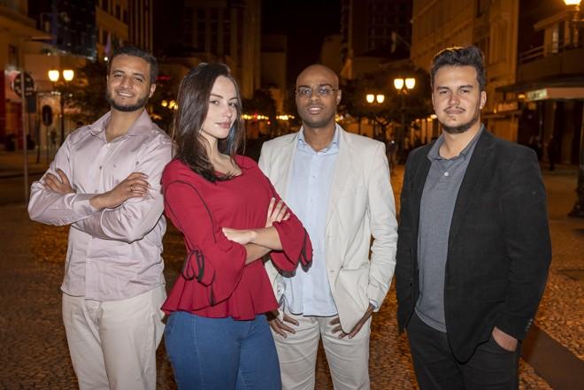 Bruno, Gabriele, Carlos e Jean Pierre: equipe da startup Senscar | Rodrigo Leal/Divulgação/Grupo Uninter