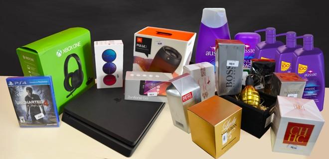 Alguns dos cosméticos e eletrônicos que serão vendidos no bazar   Divulgação/Santa Casa