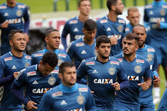 Treino do Coritiba no Couto Pereira: alviverde precisa vencer o Paysandu para recuperar o embalo na Série B.   Albari Rosa/Gazeta do Povo