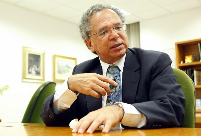 O economista Paulo Guedes, da campanha de Jair Bolsonaro, deve se encontrar novo com a equipe econômica de Michel Temer. | Hugo Harada/Gazeta do Povo