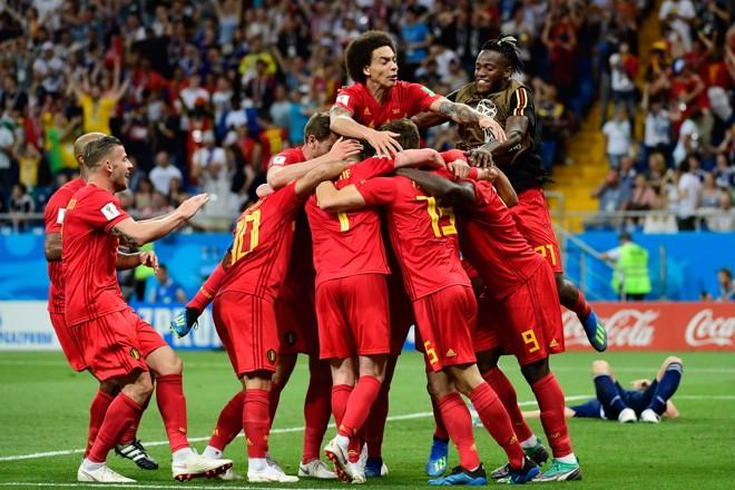 Jogadores da Bélgica celebram virada histórica sobre a Bélgica na Copa do Mundo 2018 | PIERRE-PHILIPPE MARCOU/AFP