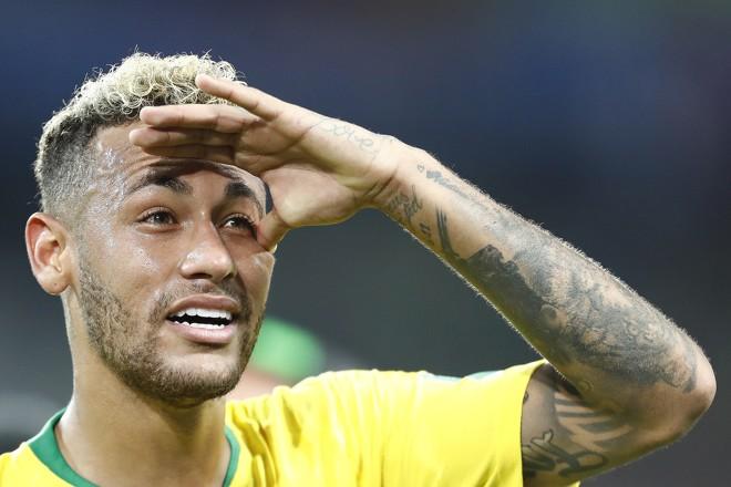 Por meio do Instituto Neymar Jr, 25 lotes de diferentes tipos serão leiloados. Renda será destinada a ações de inclusão social de crianças e adolescentes. | Jonathan Campos/Gazeta do Povo