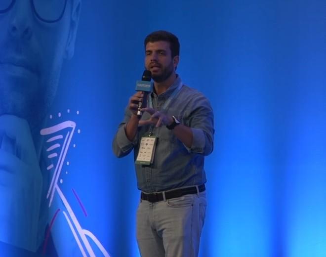 André Street, hoje na Stone, em evento da Associação Brasileira de Startups em 2015. | Reprodução/You Tube/