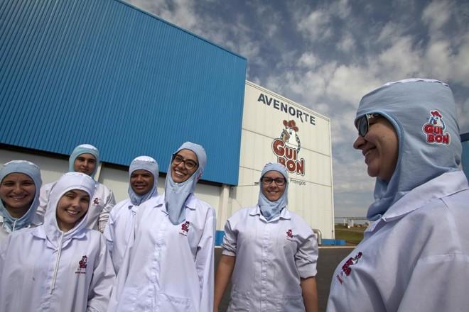 Atualmente, a Guibon emprega 2.614 funcionários de Cianorte e de outras 16 cidades. Com a nova estrutura, que deve entrar em operação em 2021, a empresa vai dobrar o número de trabalhadores. | Daniel Caron/Gazeta do Povo