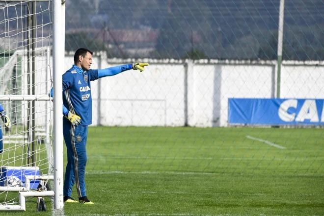 O Coritiba, do goleiro Wilson, entra em campo contra o Guarani disposto a se manter na zona de acesso. | Henry Milleo/Gazeta do Povo