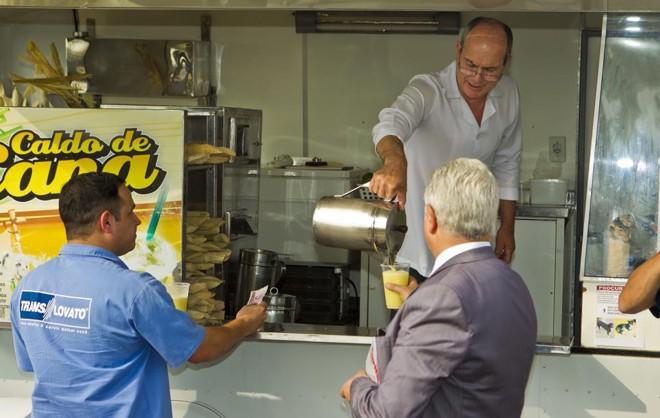 Licenças permitem a venda de caldo de cana, pipoca, confecções e bijuterias,   Antonio Costa/Gazeta do Povo