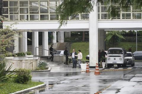 Investigadores recolhem provas na Assembleia Legislativa durante Operação Ectoplasma II, em 2010 | Aniele Nascimento/Gazeta do Povo