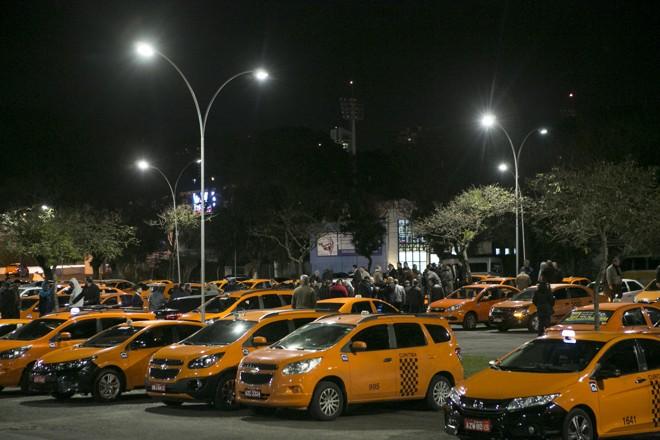 R$ 12 milhões por ano: até serviço de táxi tem isenção no Paraná | Marcelo Andrade/Gazeta do Povo