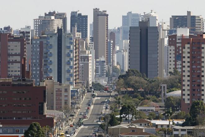 Porção Norte do eixo é atualmente predominantemente residencial. | Antônio More/Gazeta do Povo