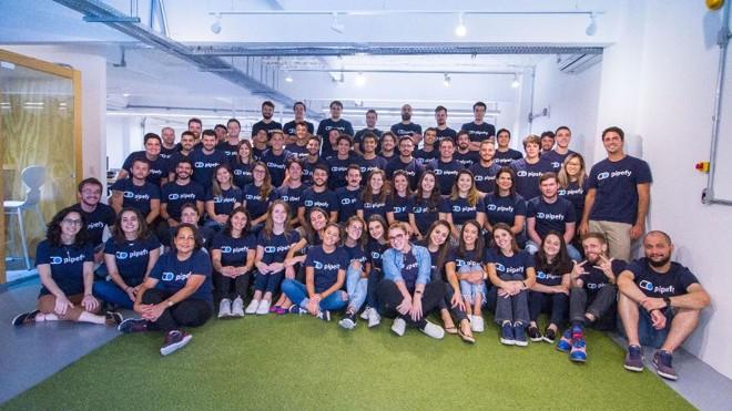 Ao todo, são 16 posições abertas para o  a sede da empresa em Curitiba e o escritório no em SãoFrancisco, no Vale do Silício. | Divulgação/Pipefy