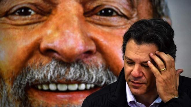 """Ocandidato a vice-presidente pelo PT Fernando Haddad:""""Quando você está em conflito aberto, como está lá [na Venezuela e na Nicarágua], não pode caracterizar como uma democracia   NELSON ALMEIDA/AFP"""