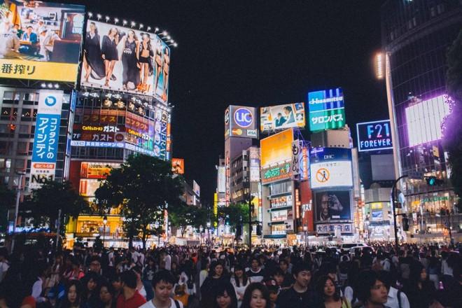 Com a reposição populacional em declínio desde o início dos anos 90 no Japão, o número de estudantes diminuiu drasticamente no país nas últimas décadas. | Pixabay.