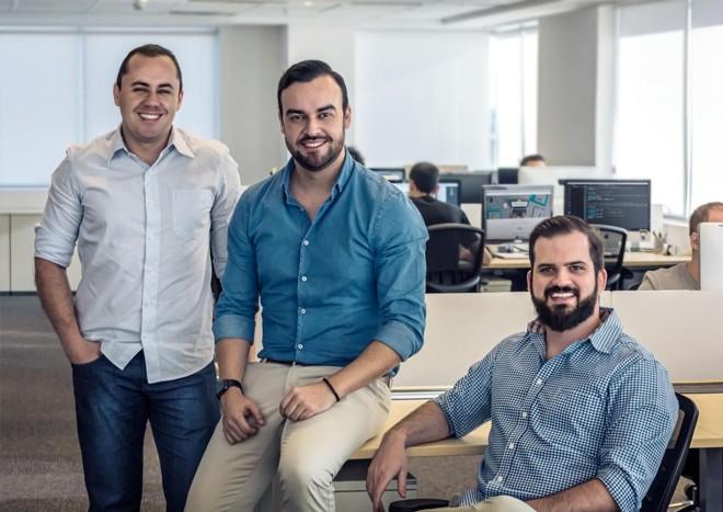 Da esquerda para direita, os fundadores da iClinic, Leonardo Berdu, Felipe Lourenço e Rafael Bouchabki | /