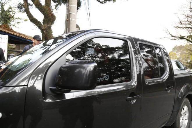 Carro em que estava Beto Richa na entrada do Gaeco. | Aniele Nascimento/ Gazeta do Povo