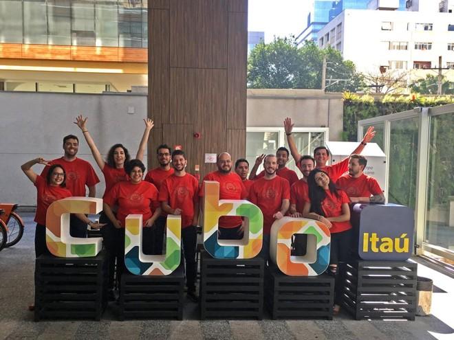 Equipe da Omnize quando completou um ano trabalhando na antiga sede do Cubo Itaú. Startup já se mudou para nova sede | Divulgação/