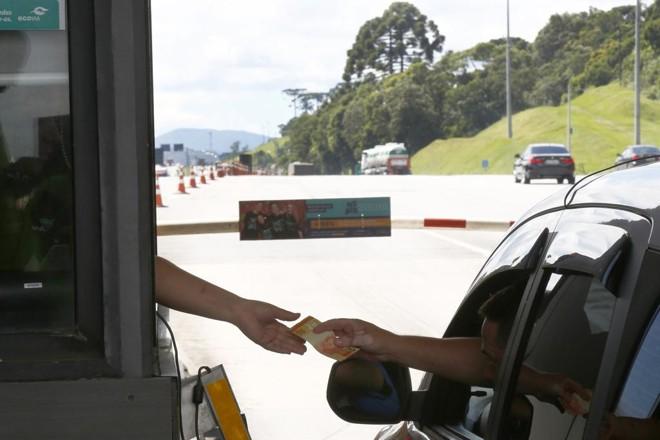 Baixar as tarifas é condição para ter apoio para continuar cobrando pedágio. | Aniele Nascimento/Gazeta do Povo