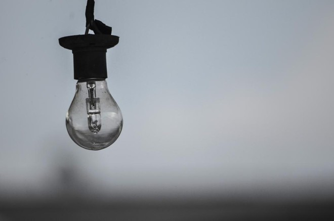Copel vai desligar o fornecimento de energia para ampliação e reparo da rede. | Maicon J. Gomes/Gazeta do Povo