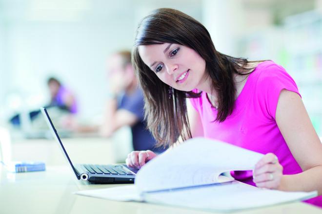 O ensino a distância democratizou o acesso aos cursos de graduação no Brasil | Bigstock