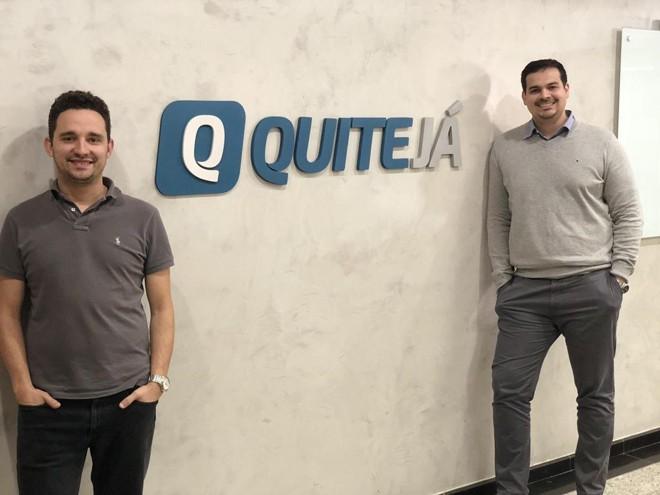 Na foto, Rafael Abreu e Luiz Henrique Garcia, sócios fundadores da fintech QuiteJá, no escritório da empresa emCuritiba. | QuiteJá/Divulgação