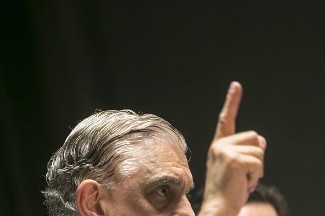 Mario Celso Petraglia:Furacão de amarelo.   Marcelo Andrade/Gazeta do Povo