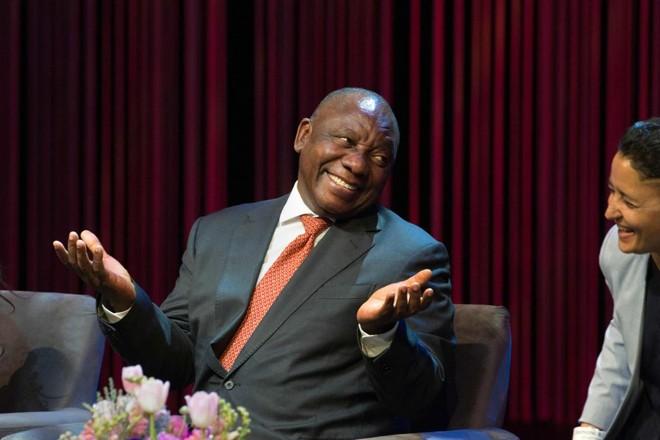 O presidente da África do Sul, Cyril Ramaphosa, que quer redistribuir terras para a maioria negra da população do país | RODGER BOSCH/AFP