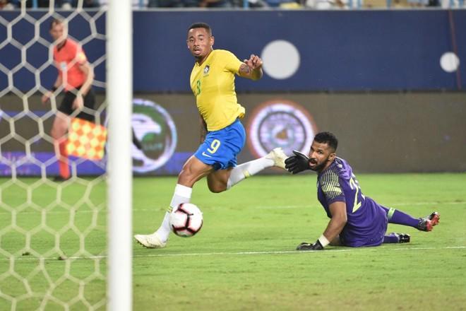 Gabriel Jesus abriu o marcador para o Brasil diante da Arábia Saudita. | FAYEZ NURELDINE/AFP