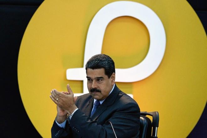 O Petro já havia sido lançado pelo regime venezuelano em 20 de Fevereiro | FEDERICO PARRA/AFP
