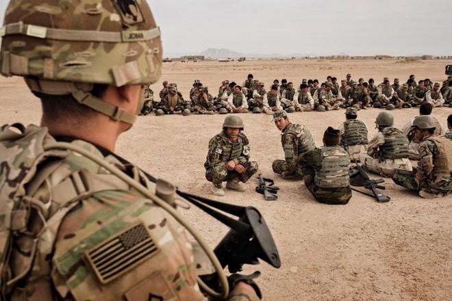 Tropas americanas treinam soldados afegãos | ADAM FERGUSON/NYT
