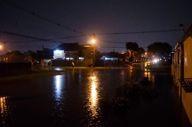 Alagamento no Boqueirão. Foto: Maicon J. Gomes/Gazeta do Povo |