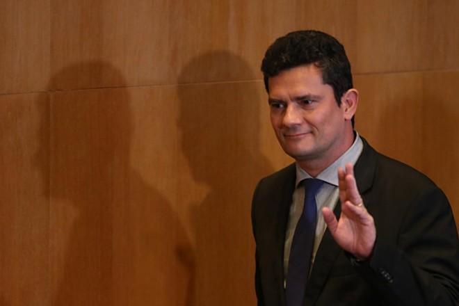 Juiz Sergio Moro vai deixar a magistratura para tomar posse como ministro da Justiça do governo Jair Bolsonaro, em janeiro.   Albari Rosa/Gazeta do Povo
