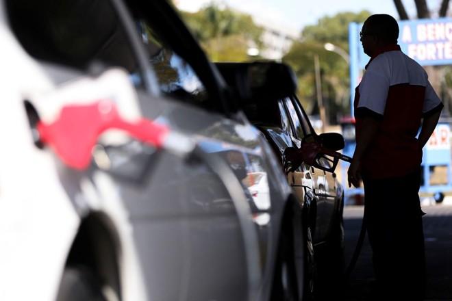 Hoje, a gasolina vendida nos postos tem 27% de álcool anidro. | Marcelo CamargoAgência Brasil